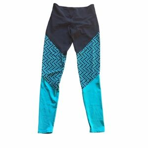 Onzie Turquoise and Black Leggings Small